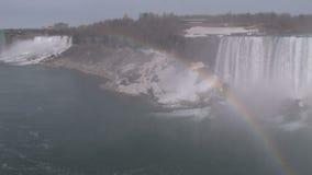 Regnbåge i hörn på Niagara Falls stock video
