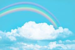 Regnbåge i molnig sky Fotografering för Bildbyråer