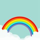 Regnbåge i skyen Fluffigt moln i hörn Cloudshape Molnigt väder Glat symboltecken för LGBT Plan design background card congratulat Arkivbilder