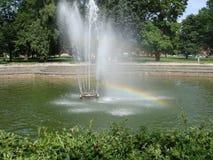 Regnbåge i springbrunnen Royaltyfria Foton