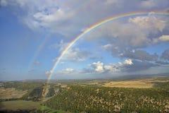 Regnbåge och fantastisk sikt i Andalusia arkivfoton