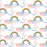 Regnbåge och påskyndade postkuvert i molnet Arkivbilder