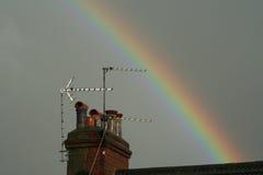 Regnbåge ovanför lampglaset Royaltyfri Bild
