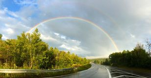 Regnbåge på vägbanan Vermont Arkivbild