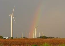 Regnbåge på windfarm Fotografering för Bildbyråer