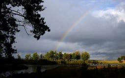 Regnbågeformer över Lake Superior Arkivbild