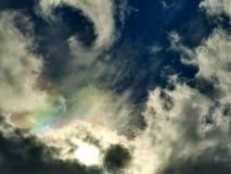 Regnbågen fördunklar i stormig himmel royaltyfria foton