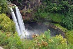 Regnbågen faller (den stora ön, Hawaii) Fotografering för Bildbyråer