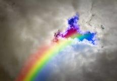 Regnbågestormhimmel royaltyfri foto