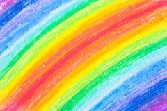 regnbåge s för hand för barncrayonteckning tecknad Arkivbilder
