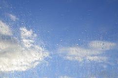 Regndroppar på fönstret. royaltyfri fotografi