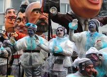 Regnerische Karnevalsparade Lizenzfreie Stockfotos
