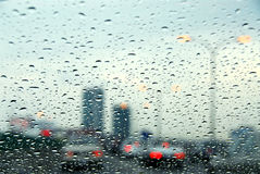 Regnerischer Tag des Verkehrs Stockbild