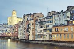 Regnerischer Tag in Girona Stockbilder