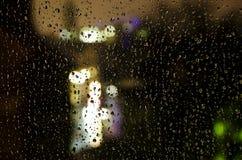 Regnerisches Fenster Lizenzfreie Stockfotos
