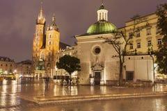 Regnig afton i Krakow arkivfoto