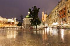 Regnig afton i Krakow royaltyfri fotografi