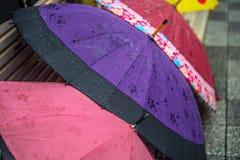 regnig dag Du önskar ett paraply royaltyfri fotografi