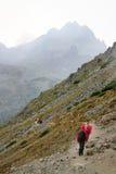 Regnig dag i berg Fotografering för Bildbyråer
