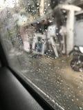 Regnig dag i bilen Arkivfoton