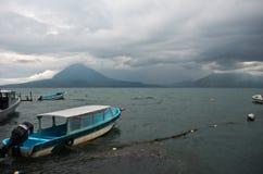 regnig lake Royaltyfri Foto