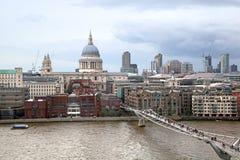 Regnig London dag Arkivfoto
