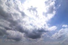 Regniga moln Royaltyfri Bild
