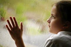 regnigt fönster för dag royaltyfri fotografi