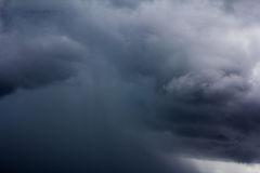 Regnmoln arkivfoto