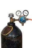 Regolatore di pressione del gas con il manometro (isolato) Immagini Stock Libere da Diritti