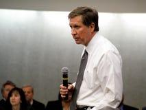 Regolatore John Kasich dell'Ohio a Dayton il 16 febbraio 2011 Immagine Stock