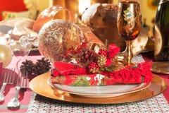 Regolazione decorata della Tabella di cena di Natale Fotografie Stock Libere da Diritti