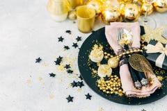 Regolazione decorata della tavola di Natale fotografie stock