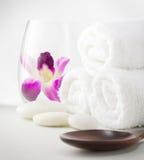 Regolazione della stazione termale con gli asciugamani Immagine Stock Libera da Diritti