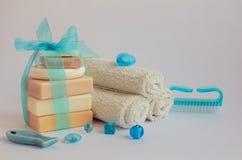 Regolazione della stazione termale con i saponi naturali immagine stock libera da diritti
