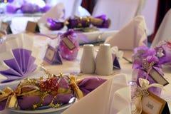 Regolazione della tabella di compleanno o di cerimonia nuziale, paesaggio Fotografie Stock Libere da Diritti