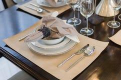 Regolazione della tavola di cena Fotografie Stock Libere da Diritti