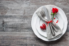 Regolazione di posto della tavola di giorno di biglietti di S. Valentino Fotografie Stock