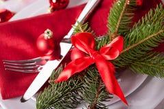 Regolazione di posto di tema rossa di Natale Fotografie Stock Libere da Diritti
