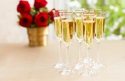 Regolazione di ricevimento nuziale con il champagne Fotografia Stock
