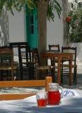 Regolazione greca di taverna fotografia stock libera da diritti