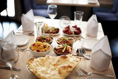 Regolazione indiana del ristorante di cucina dell'alimento indiano Fotografia Stock Libera da Diritti