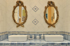 Regolazione interna della toilette fotografie stock