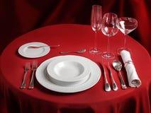Regolazione professionale della tavola di cena rossa Fotografie Stock