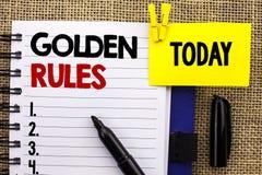 Regras de ouro do texto da escrita da palavra O conceito do negócio para os princípios regulamentares retira o núcleo do plano No fotos de stock