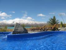 Regroupement chaud de Tekapo de lac. La Nouvelle Zélande Photographie stock