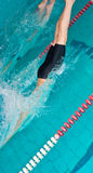 regroupement d'intérieur d'enfants commençant des nageurs photos stock