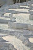 Regroupements de pierre à chaux de Pamukkale Images stock