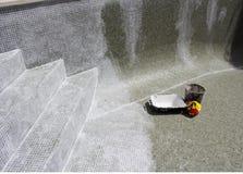 Regrouting in corso su una piscina colante Fotografia Stock Libera da Diritti