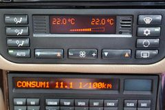 Regulación del acondicionador de aire del coche Imagenes de archivo